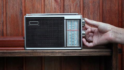 radio_vieux-poste_reglage-frequence.jpg